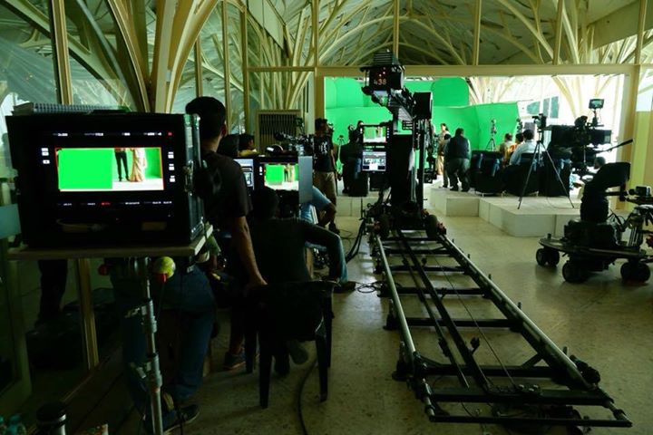 From the sets of Aanand L Rai film. Techno Dolly,chroma screens & gizmos galore...
