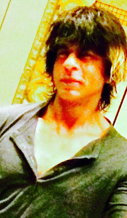 My eyes r so used to nights that they take a while to adjust to day. Day vision kicking in now. Morning shoots beckon .