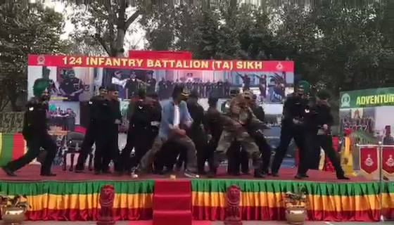 Dancing with joy because all of u are loving Raees. Tonight with the Jawans on Aaj Tak & India Today at 8pm. With Anjana Kashyap my fav.