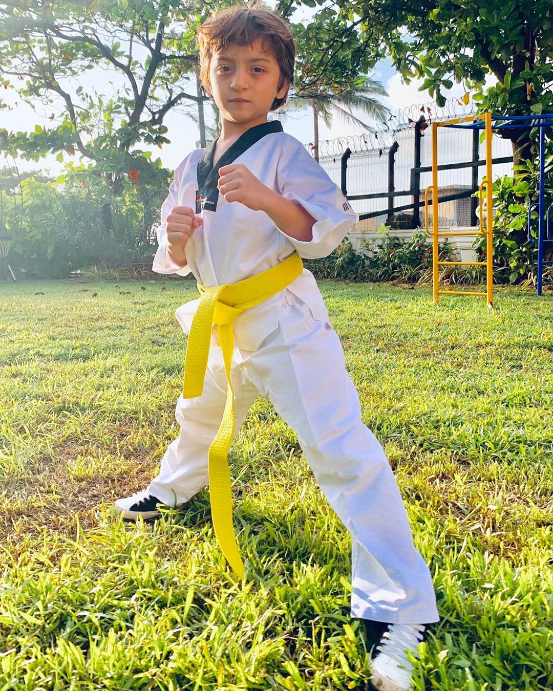 Keeping up the tradition of Tae 'Khan' Doh in the family, the latest entrant to the Kiran Teacher ( @care141 )Fight Club. Yellow belt it is...
