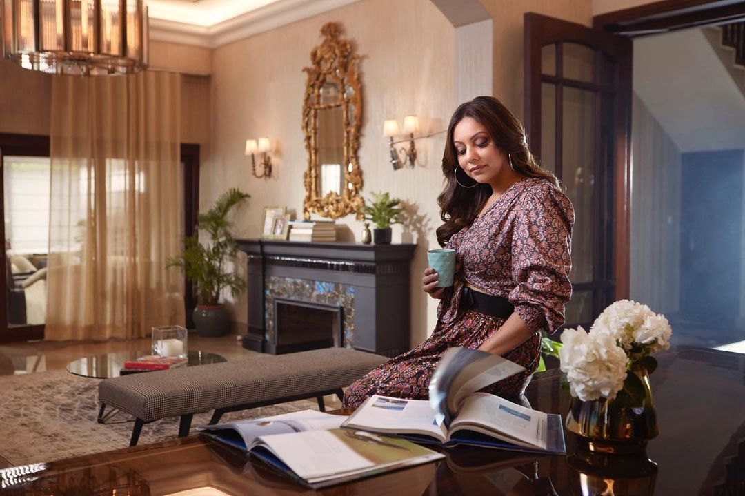 With so many memories of our early days in Delhi, the city holds a very special place in our hearts. @gaurikhan has redesigned our Delhi house and filled it with love and moments of nostalgia. Here's a chance for you to be our guest with @airbnb #HomewithOpenArms #AirbnbPartner  Airbnb.com/homewithopenarms
